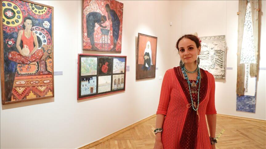 İslam'ı seçen Rus sanatçı, eserleriyle Türk-İslam kültürünü ülkesinde yaşatıyor